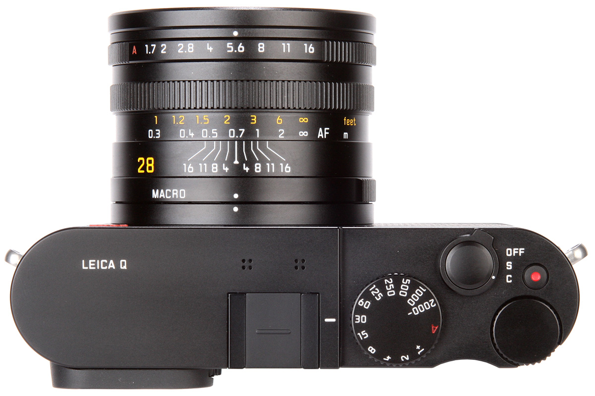 superzoom camera with manual focus ring